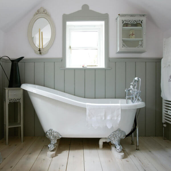 Tongue and Groove mdf wall panelling in bathroom